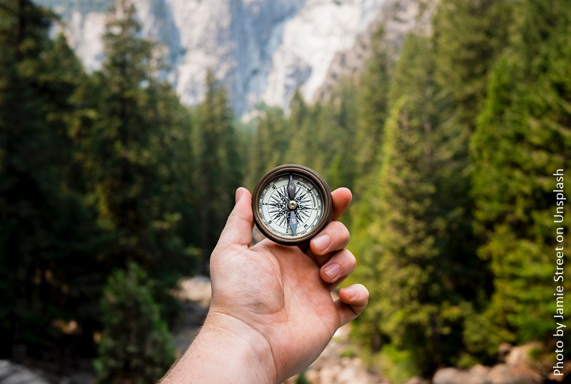 Green Deal Kompass aus der Krise (c) Photo by Jamie Street on Unsplash